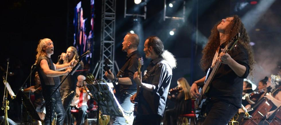 Bursa'da Senforock gece